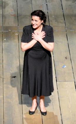 Cecilia Bartoli -- Looking almost like Maria...