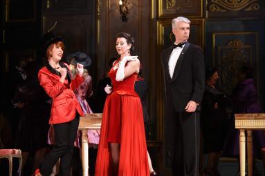 Katherine Pracht, Lisette Oropesa, and Daniel Mobbs in La Traviata