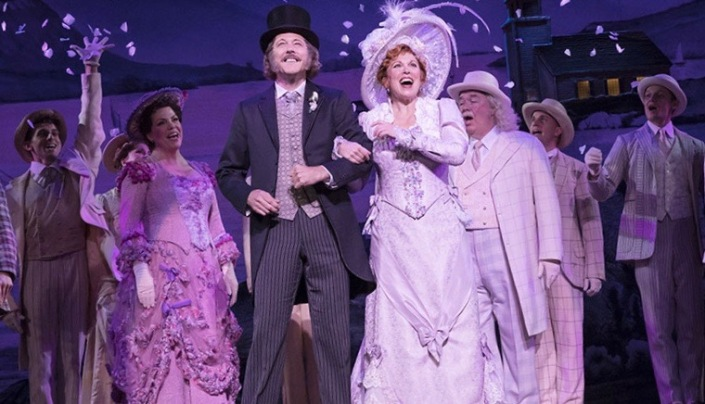 carousel8_hello-dolly-national-tour-company-photograph-by-julieta-cervantes-2019